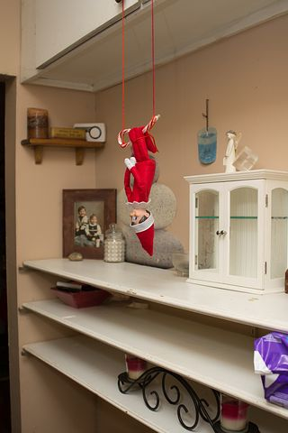 elf-on-shelf-2618512__480