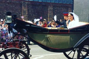meghan markle and prince harry in carriage at wedding