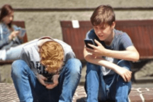 middle school cell phone feature