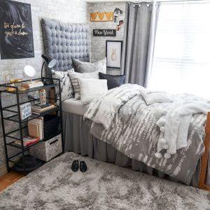 Velvet Tufted Headboard Dorm Room Must-Haves