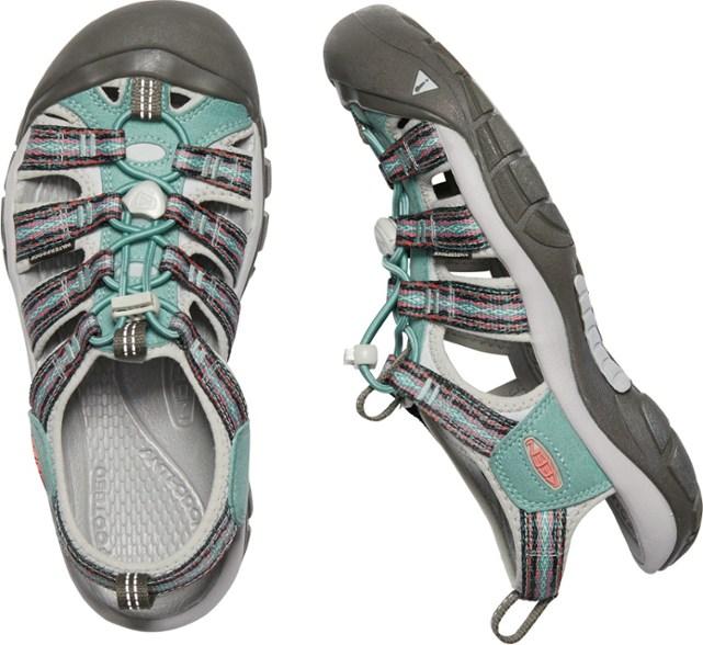 hiking sandals friday favorites