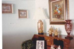 knick-knacks in a decorated home
