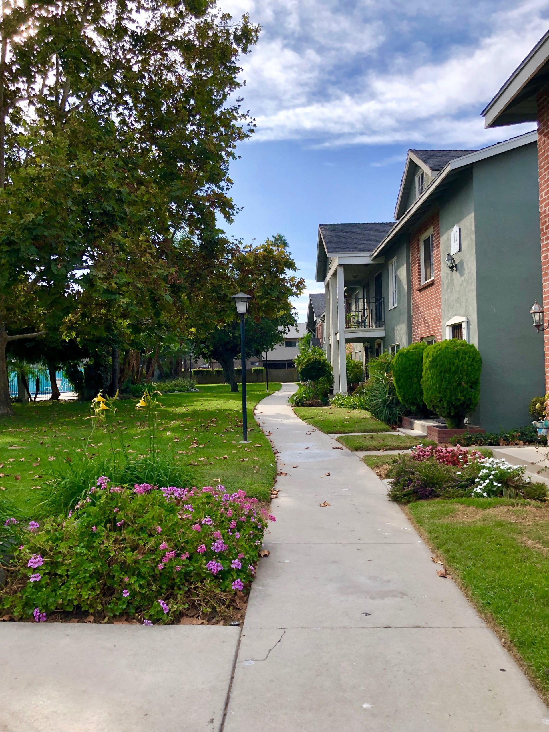 view of neighborhood