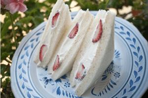 strawberry sandwiches