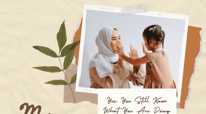 """mother and child clapping hands with """"mom"""" text on taupe background"""