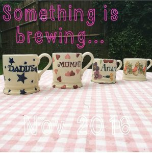 Pregnancy announcement with tea cups